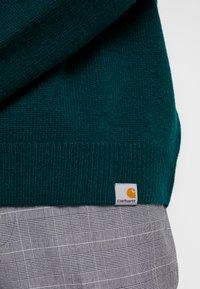 Carhartt WIP - ALLEN - Sweter - dark fir - 5