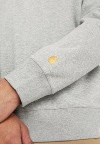 Carhartt WIP - CHASE  - Sweatshirt - grey heather/gold - 5