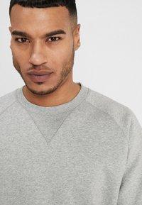 Carhartt WIP - CHASE  - Sweatshirt - grey heather/gold - 3