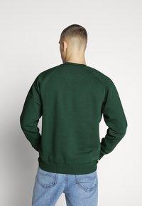Carhartt WIP - CHASE  - Sweatshirt - dark green - 2