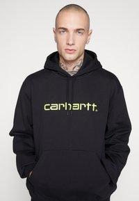 Carhartt WIP - HOODED  - Huppari - black/lime - 4