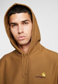 Carhartt WIP - HOODED AMERICAN SCRIPT - Mikina s kapucí - hamilton brown - 3
