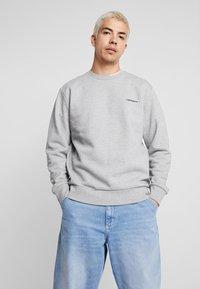 Carhartt WIP - SCRIPT EMBROIDERY - Sweatshirt - grey heather/black - 0