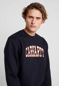 Carhartt WIP - THEORY  - Sweater - dark navy - 4