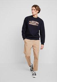 Carhartt WIP - THEORY  - Sweater - dark navy - 1