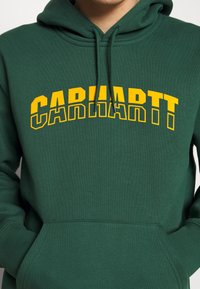 Carhartt WIP - HOODED DISTRICT - Luvtröja - dark green/yellow - 5