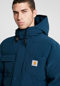 Carhartt WIP - ALPINE COAT - Winterjas - duck blue/black - 4
