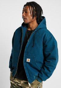 Carhartt WIP - ACTIVE JACKET DEARBORN - Lehká bunda - duck blue aged - 0
