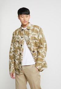Carhartt WIP - BALFOUR JACKET - Summer jacket - brush/sandshell - 0