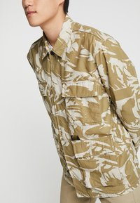 Carhartt WIP - BALFOUR JACKET - Summer jacket - brush/sandshell - 5