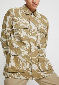 Carhartt WIP - BALFOUR JACKET - Summer jacket - brush/sandshell - 6