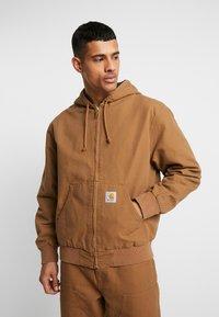 Carhartt WIP - ACTIVE JACKET DEARBORN - Summer jacket - hamilton brown - 0