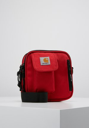 ESSENTIALS BAG SMALL - Skuldertasker - cardinal