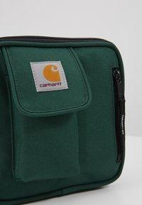 Carhartt WIP - ESSENTIALS BAG SMALL UNISEX - Across body bag - treehouse - 7