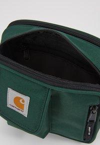 Carhartt WIP - ESSENTIALS BAG SMALL UNISEX - Across body bag - treehouse - 4