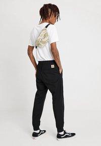 Carhartt WIP - PAYTON HIP BAG - Bum bag - brush/sandshell/black - 1
