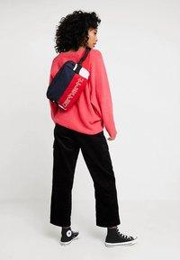 Carhartt WIP - TERRACE HIP BAG - Bum bag - cardinal/dark navy/white/ black - 5