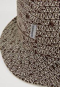 Carhartt WIP - TYPO BUCKET HAT - Hut - tobacco - 6
