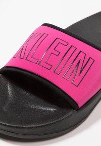 Calvin Klein Swimwear - SLIDE - Sandaler - beetroot purple - 2