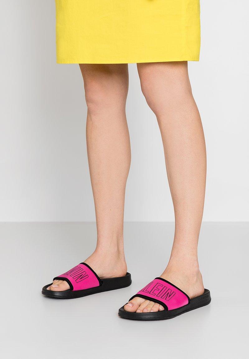 Calvin Klein Swimwear - SLIDE - Sandaler - beetroot purple