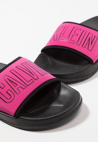 Calvin Klein Swimwear - SLIDE - Sandaler - beetroot purple - 7