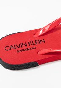 Calvin Klein Swimwear - Boty do bazénu - lychee - 2