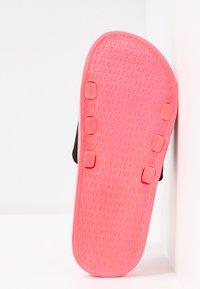 Calvin Klein Swimwear - SLIDE - Muiltjes - neon coral pink - 6
