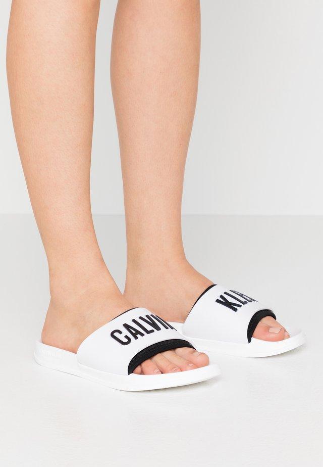 SLIDE - Pantofle - classic white