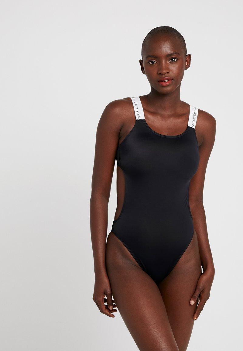 Calvin Klein Swimwear - LOGO OPEN CUT ONE PIECE - Maillot de bain - black