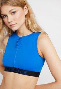 Calvin Klein Swimwear - INTENSE POWER OPEN BACK CROP - Haut de bikini - duke blue - 3