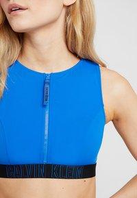 Calvin Klein Swimwear - INTENSE POWER OPEN BACK CROP - Haut de bikini - duke blue - 5