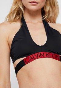 Calvin Klein Swimwear - CORE ICON CROSS OVER BRALETTE - Bikini top - black - 4