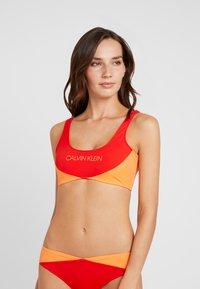 Calvin Klein Swimwear - BLOCKING BRALETTE - Bikini top - fiery red - 0