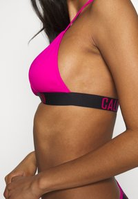 Calvin Klein Swimwear - INTENSE POWER FIXED TRIANGLE - Bikiniyläosa - pink - 3