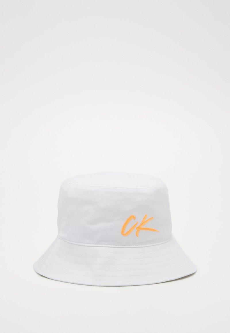 Calvin Klein Swimwear - WAVE BUCKET HAT - Hattu - classic white