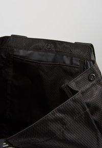Calvin Klein Swimwear - INTENSE POWER BEACH TOTE - Kabelka - black - 5