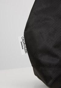 Calvin Klein Swimwear - INTENSE POWER BEACH TOTE - Kabelka - black - 2