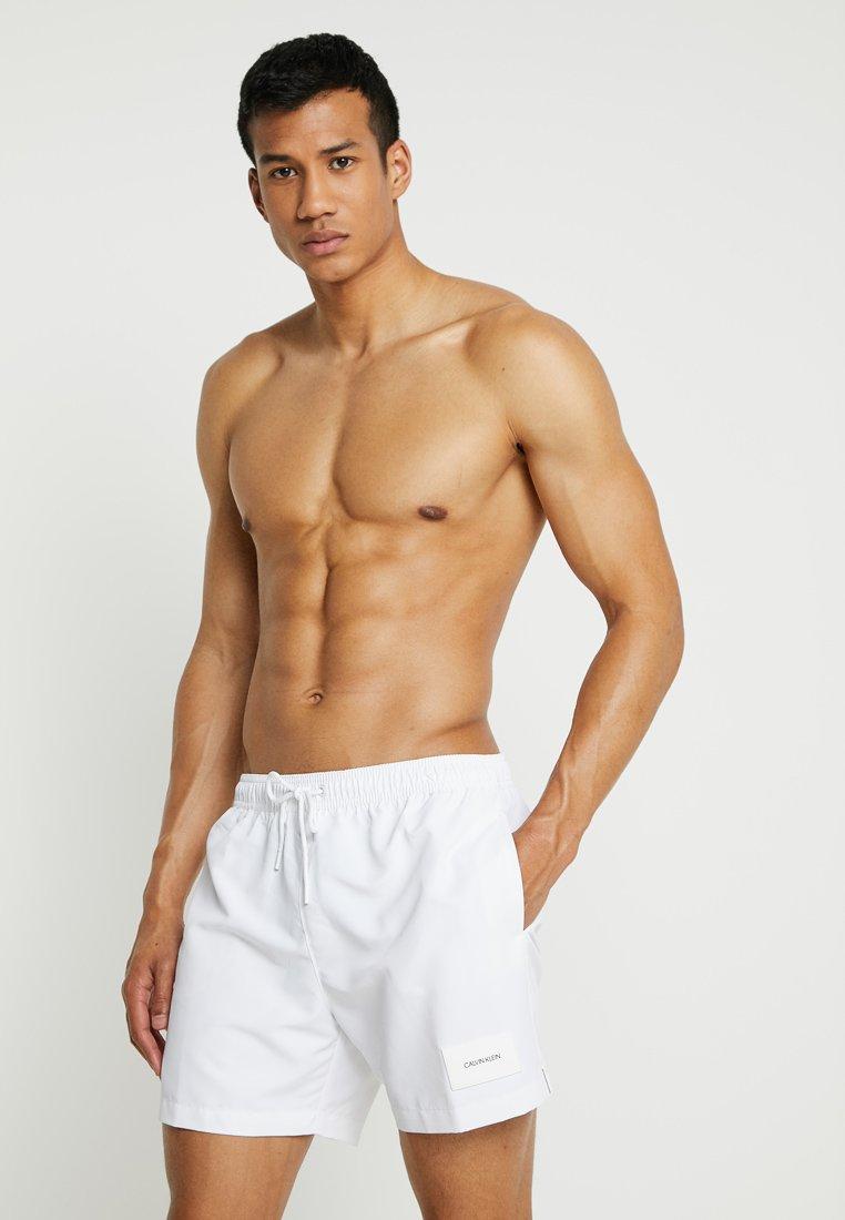 Calvin Klein Swimwear - MEDIUM DRAWSTRING - Short de bain - white