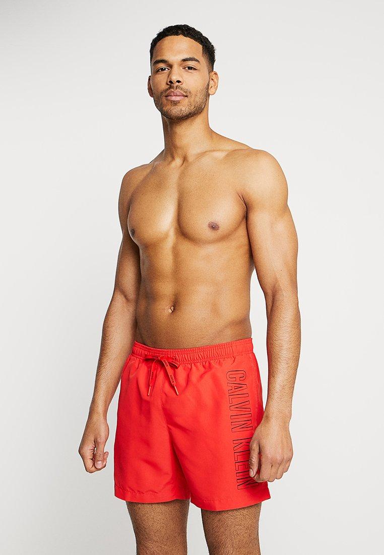 Calvin Klein Swimwear - MEDIUM DRAWSTRING - Surfshorts - flame scarlet