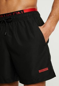 Calvin Klein Swimwear - MEDIUM DOUBLE WAISTBAND - Plavky - black - 3