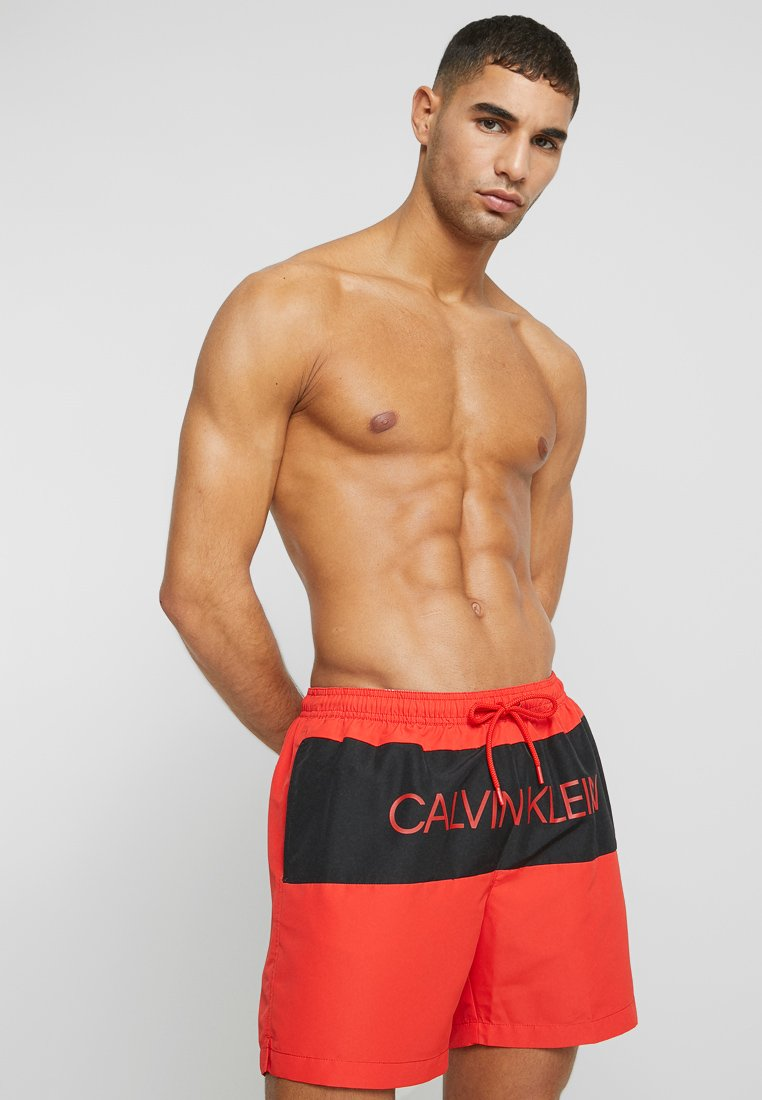 Calvin Klein Swimwear - MEDIUM DRAWSTRING BLOCK - Swimming shorts - red