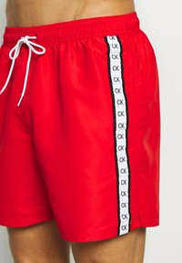 Calvin Klein Swimwear - MEDIUM DRAWSTRING - Plavky - red - 3