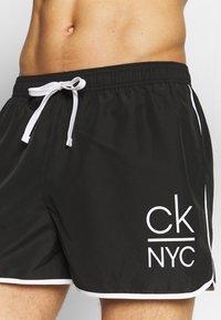 Calvin Klein Swimwear - RUNNER - Shorts da mare - black - 3