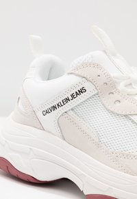 Calvin Klein Jeans - MAYA - Matalavartiset tennarit - white - 2