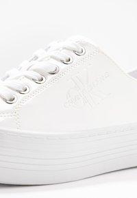 Calvin Klein Jeans - ZOLAH - Matalavartiset tennarit - white - 2
