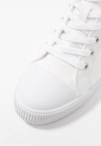 Calvin Klein Jeans - RITZY - Tenisky - white - 2