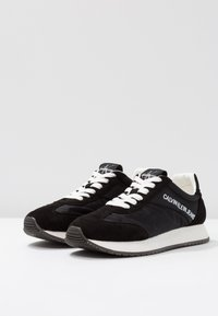 Calvin Klein Jeans - JILL - Baskets basses - black - 4