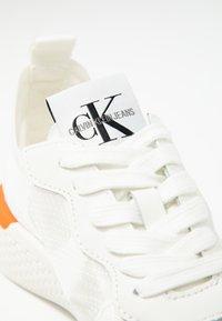 Calvin Klein Jeans - ALEXIA - Joggesko - bright white - 2
