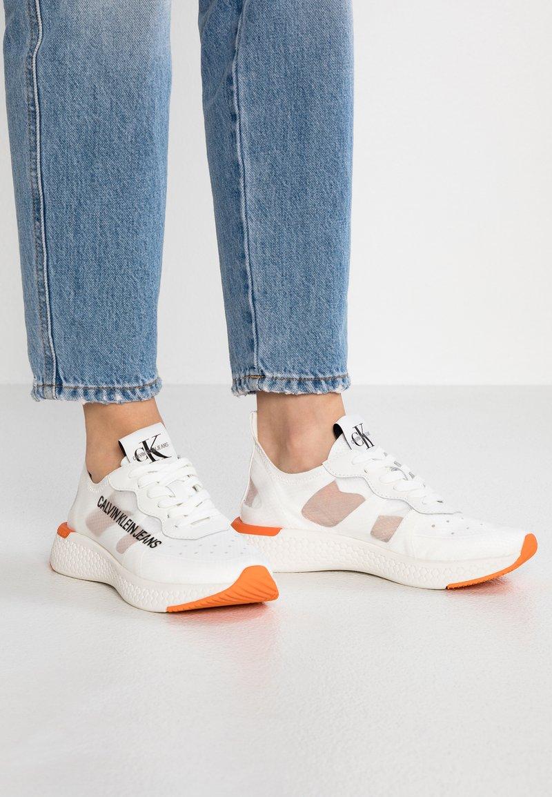 Calvin Klein Jeans - ALEXIA - Joggesko - bright white