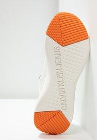 Calvin Klein Jeans - ALEXIA - Joggesko - bright white - 6